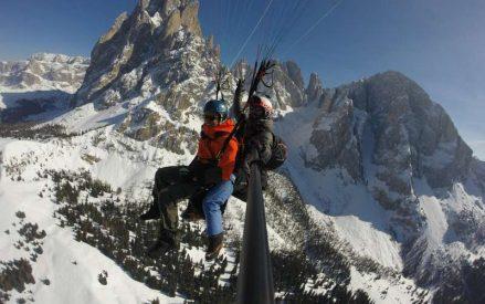 Volare in inverno sulle Dolomiti